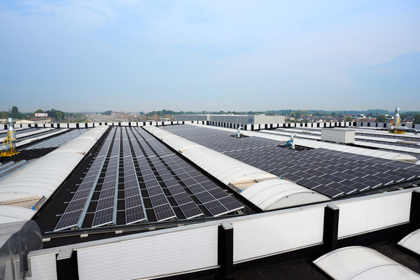 NMBS installeert 5.600 zonnepanelen in Melle