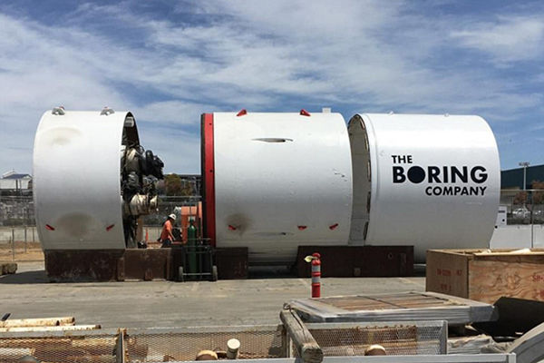 Musk boort tunnel onder Los Angeles